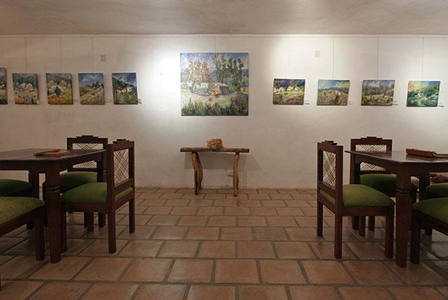 Salon de cuadros de arte en el Hotel